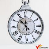 Reloj de pared decorativo colgante del metal del hogar grande hecho a mano antiguo de la vendimia