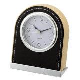 ホテルよいクロムベースが付いている木ボディ置時計