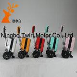 Trois roues ont plié le scooter électrique pour les personnes âgées