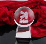 O cristal nobre ostenta o troféu para o futebol