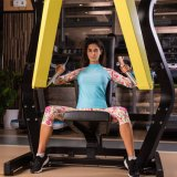 Обжатия тренировки пригодности женщины Sportswear гимнастики идущего плотно