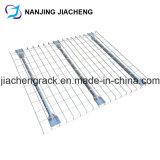 Piattaforma svasata della rete metallica utilizzata nel fascio di casella