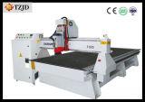 Máquina do router do CNC para o funcionamento de madeira