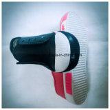 Ботинок искусственной кожи верхний с плоскими цветами Outsole