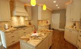Верхние части тщеты ванной комнаты - верхняя часть тщеты кухни