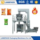 Pommes chips bourrant la machine de remplissage