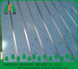 Melamine Onder ogen gezien pvc Onder ogen gezien MDF van de Groef Slatwall van het Aluminium Decoratieve Ruit