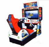 レースカーのアーケード機械を運転する2015ビデオゲームのシミュレーター