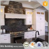Cabinet de cuisine de finition à la cuisson