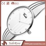 Grande montre ronde de main de quartz de cadran de mode imperméable à l'eau