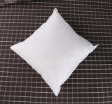 Weißes Polyester-Ausgangsdekoratives umarmendes Kissen
