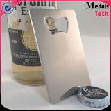 Nueva tarjeta de visita del abrelatas de botella del acero inoxidable del diseño de la manera con insignia de la impresión