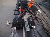 Espárrago y rodillo de la pista que forma la máquina
