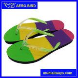 男女兼用の夏浜のための多彩な靴の中敷が付いているPEの履物のスリッパ
