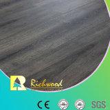 AC3ワックスのコーティングHDF Vの斜めの木製のビニールの積層物によって薄板にされるフロアーリング