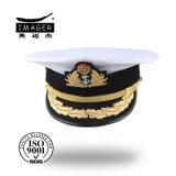 Fashione personalizou o chapéu militar branco