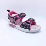 l'été de 2016 de qualité de mode de chevreaux de santals de filles de santals d'enfants chaussures occasionnelles de santals chausse le llight en caoutchouc d'unité centrale de chaussures d'injection