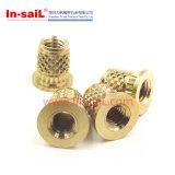 プラスチックのための中国の締める物の製造業者の帆真鍮の短い外のダイヤモンドによって刻みをつけられる挿入