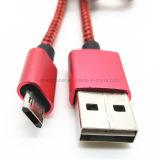 USB réversible un mâle au câble micro de charge de caractéristiques