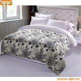 Подгонянный полиэфиром 100% шарф кровати гостиницы (DPF2669)
