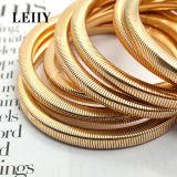 Les bracelets punks de chaîne de serpent de type ont placé pour des femmes