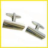 Collegamento di polsino inciso quadrato placcato argento