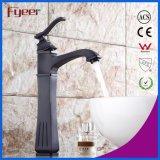 Alto golpecito de mezclador de bronce del agua del lavabo del cuarto de baño de Rubbered de la grasa natural de la piel