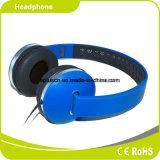 Écouteur s'usant confortable neuf de bleu du DJ