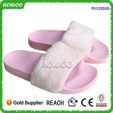 Deslizadores mornos da forma superior macia cor-de-rosa popular das mulheres da pele (RW29595)