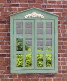 Античное белое зеркало окна деревянной рамки