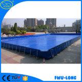L'adulto di modello personalizzato del parco di divertimenti scherza la piscina gonfiabile