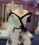 Una riga campione reale bianco del vestito da cerimonia nuziale del nero fragile di alta qualità