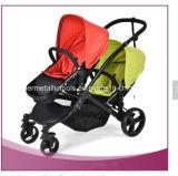 Zwilling-Baby-Spaziergänger mit Auto-Sitzen