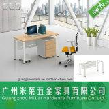 Escritorio ejecutivo moderno de los muebles de oficinas con la pintura