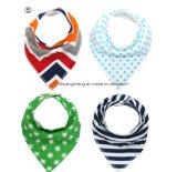Bavoirs promotionnels de coton de bébé d'emballage des Doubles couches 4PCS avec le bouton