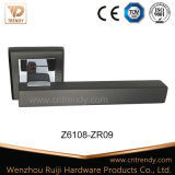 Tür-Befestigungsteil-Zink-Verschluss-Möbel-Griff auf quadratischem Rostte (Z6167-ZR13)