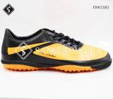 O futebol novo de venda quente do estilo do projeto ostenta sapatas com alta qualidade e bom preço