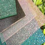 Feuille gravée en relief par polycarbonate protecteur UV pour la toiture