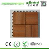 プラスチック製の木プラスチック合成の連結のデッキのタイル
