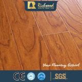 Le ménage 12.3mm HDF AC3 a gravé le plancher de stratifié de bord ciré par orme