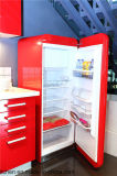 Hoher glatter Lack-Küche-Schrank