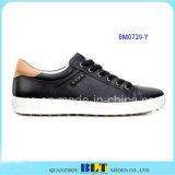 Schwarze Golf-Schuhe von den Männern
