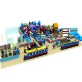 Campo de jogos interno do tema colorido do castelo