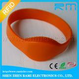 Braccialetto personalizzato del silicone del chip RFID di 125kHz Em4200 per il randello della STAZIONE TERMALE
