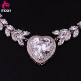優雅なデザイン白い石造りの結婚式のネックレスの一定の宝石類の金