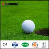 Tapis normal de gazon d'herbe du football de PE en gros de la Chine pour des terrains de football