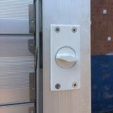 Алюминиевое окно штарки с мотылевым замком K09014