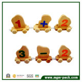 Brown Wooden Train com Numerals e o Lovely árabes Cartoon Patterns