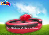 Il giocattolo mette in mostra Bull meccanico gonfiabile in parco di divertimenti