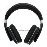 Auriculares de alta fidelidad sin hilos de Bluetooth con el control del micrófono y de volumen - negro